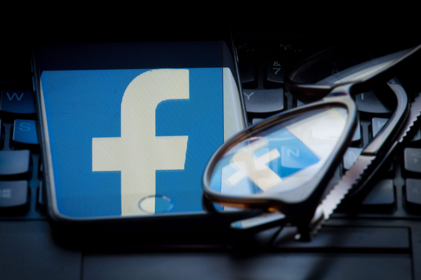 Facebook will conduct civil rights audit following bias allegations dominic lipinskipa images via getty images fandeluxe Gallery