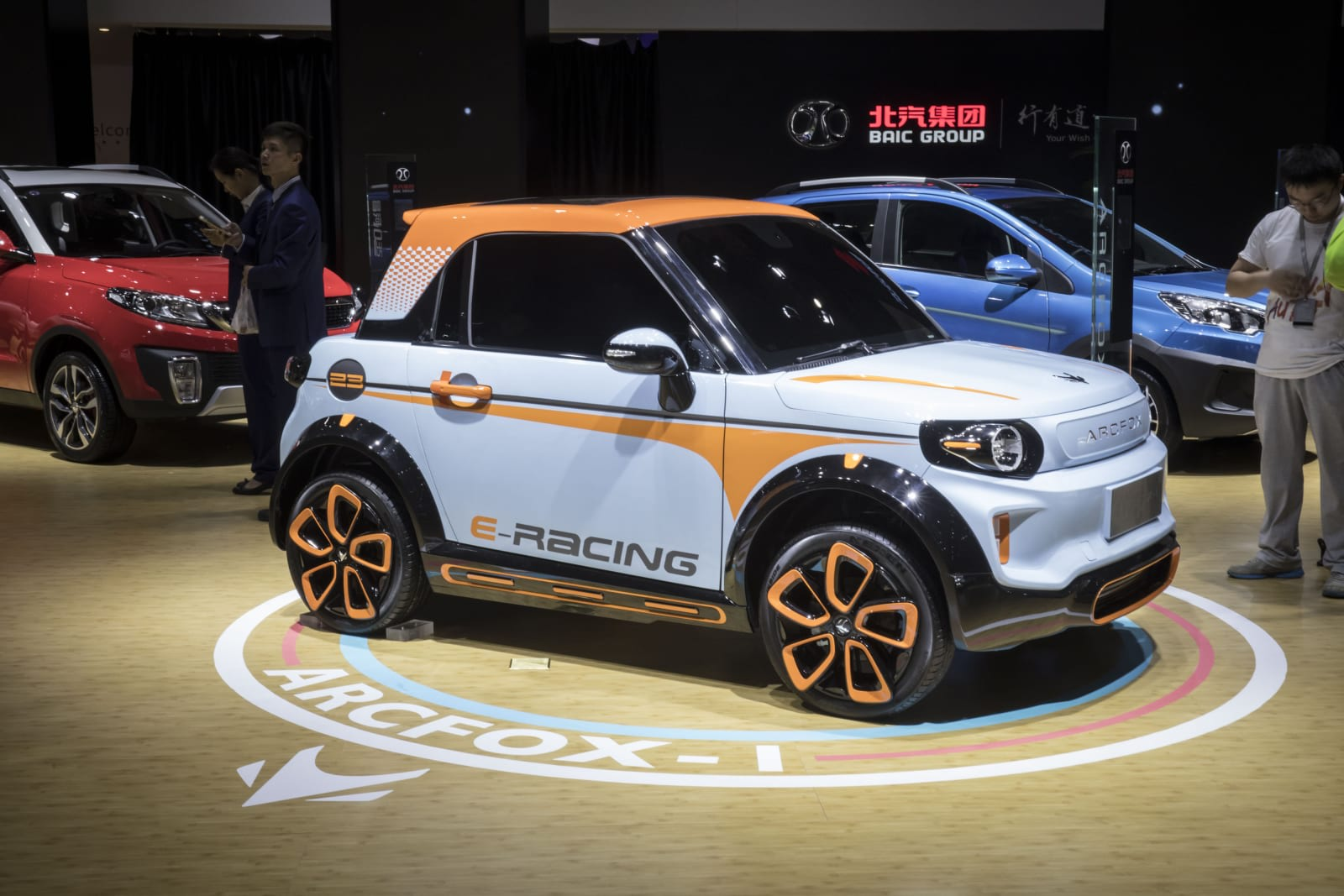 Chinas Extension Of EV Tax Rebates Is Good News For Car Makers - Car show wheel display stands