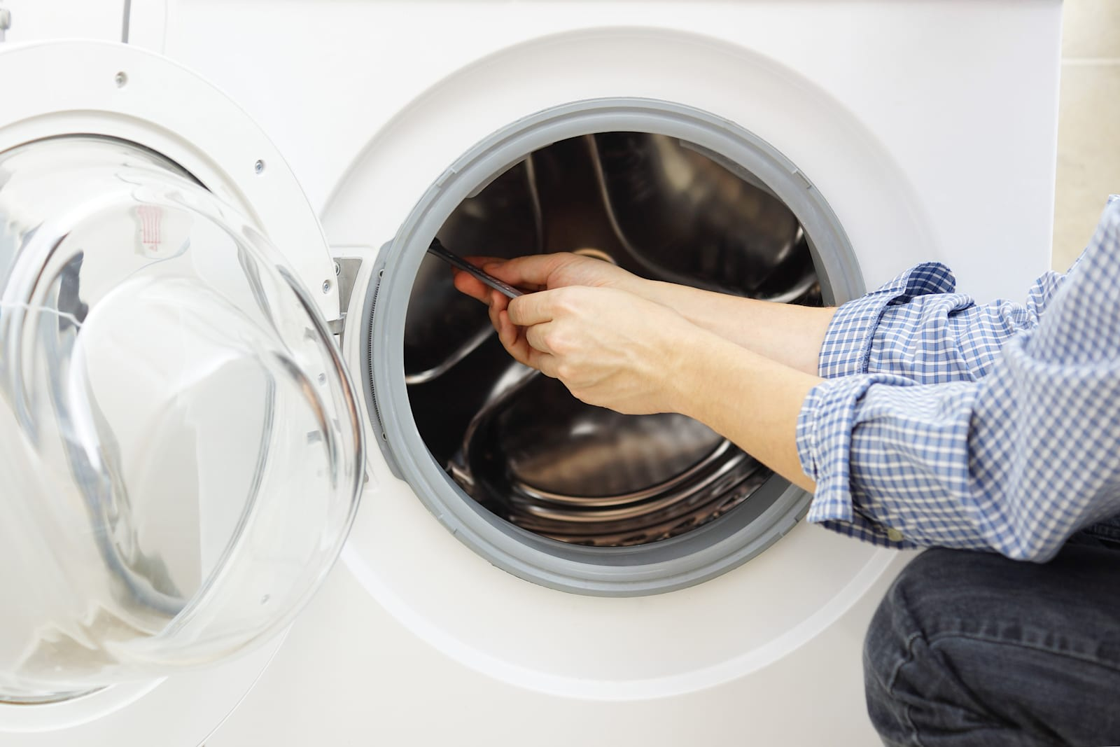 Samsung Is Using Dish Network Techs To Fix Washing Machines
