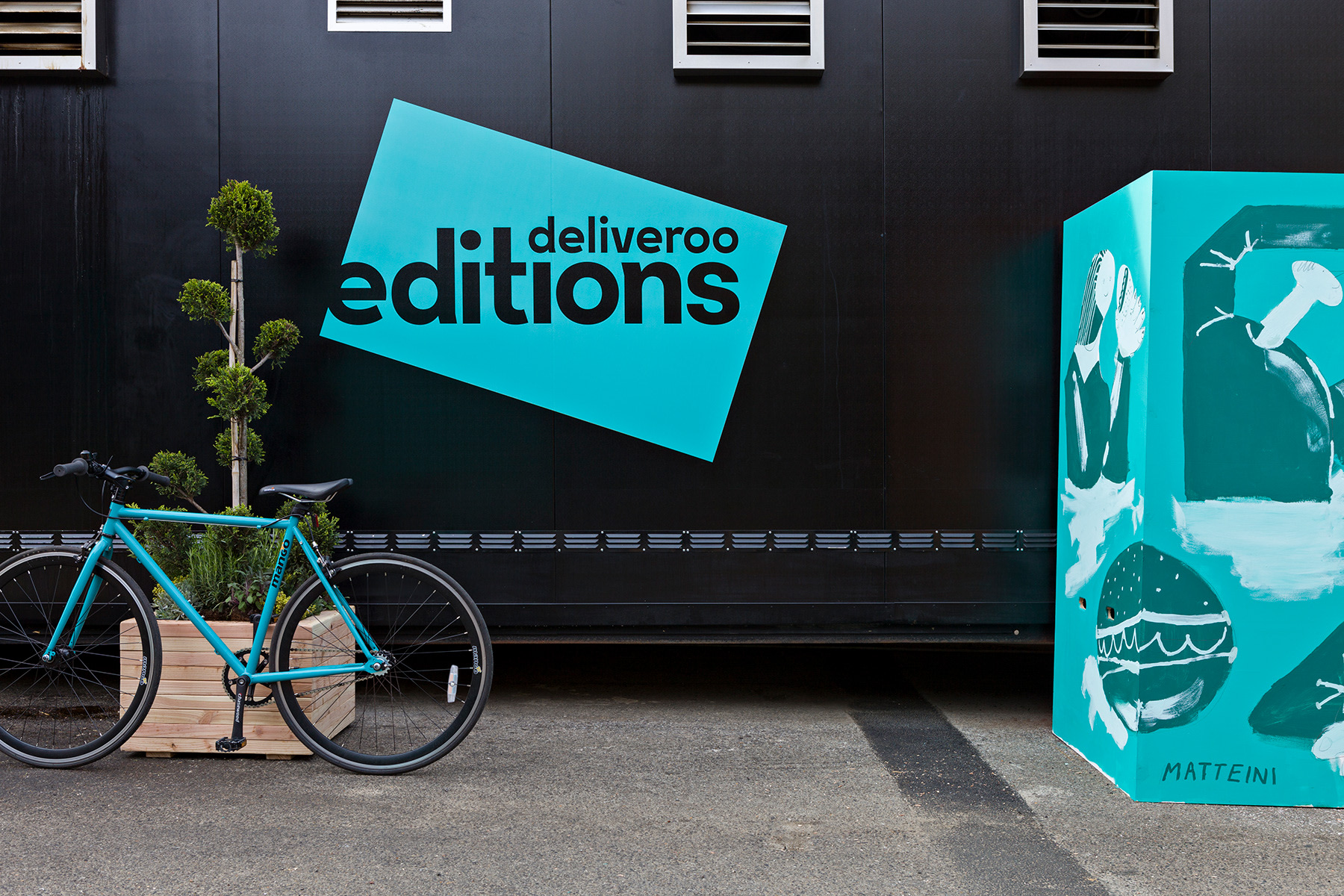 Deliveroo builds its own kitchens to help restaurants expand