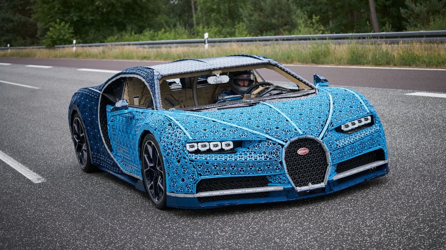 This driveable Bugatti Chiron is made out of 1 million Lego blocks