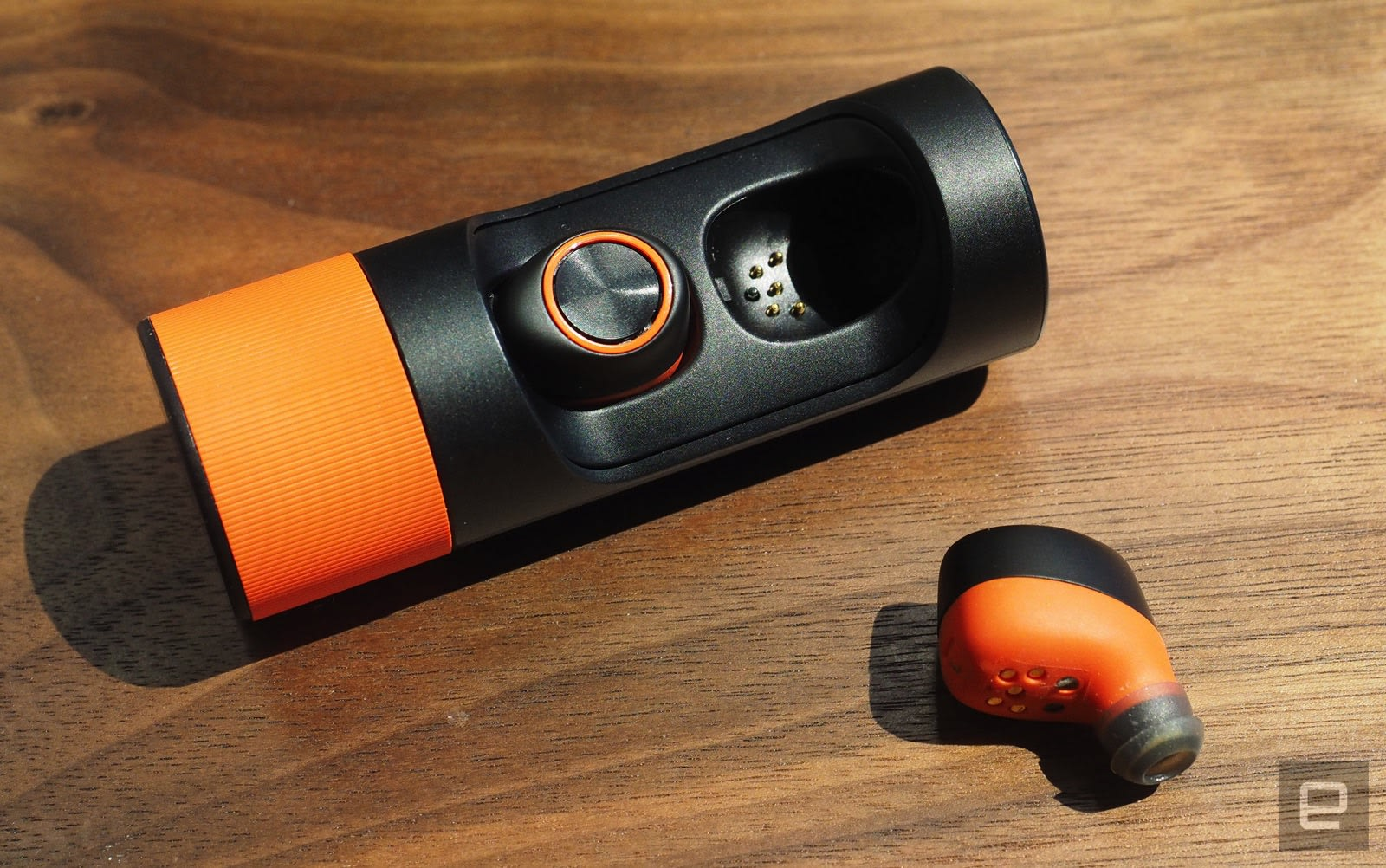 Motorola S Latest Wireless Earbuds Don T Live Up To