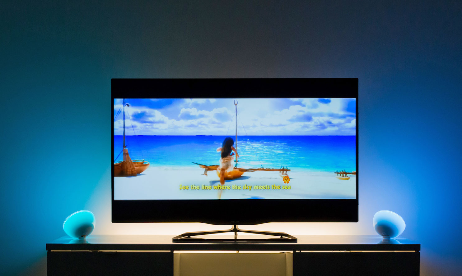 Philips\' Hue lights will soon sync with movies, games and music