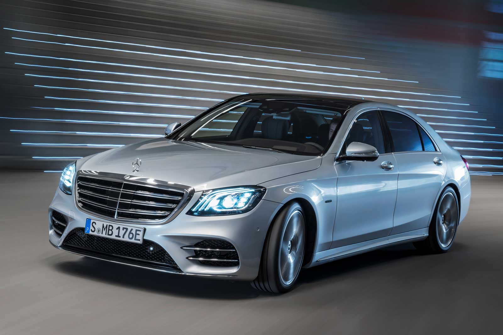 mercedes pulls its plug in hybrids to prepare for new models