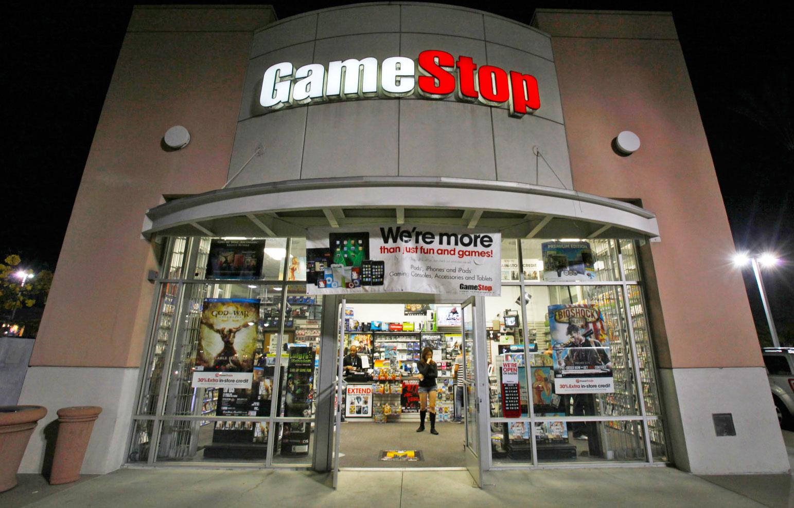 GameStop halts its unlimited used game rental program  GameStop halts ...