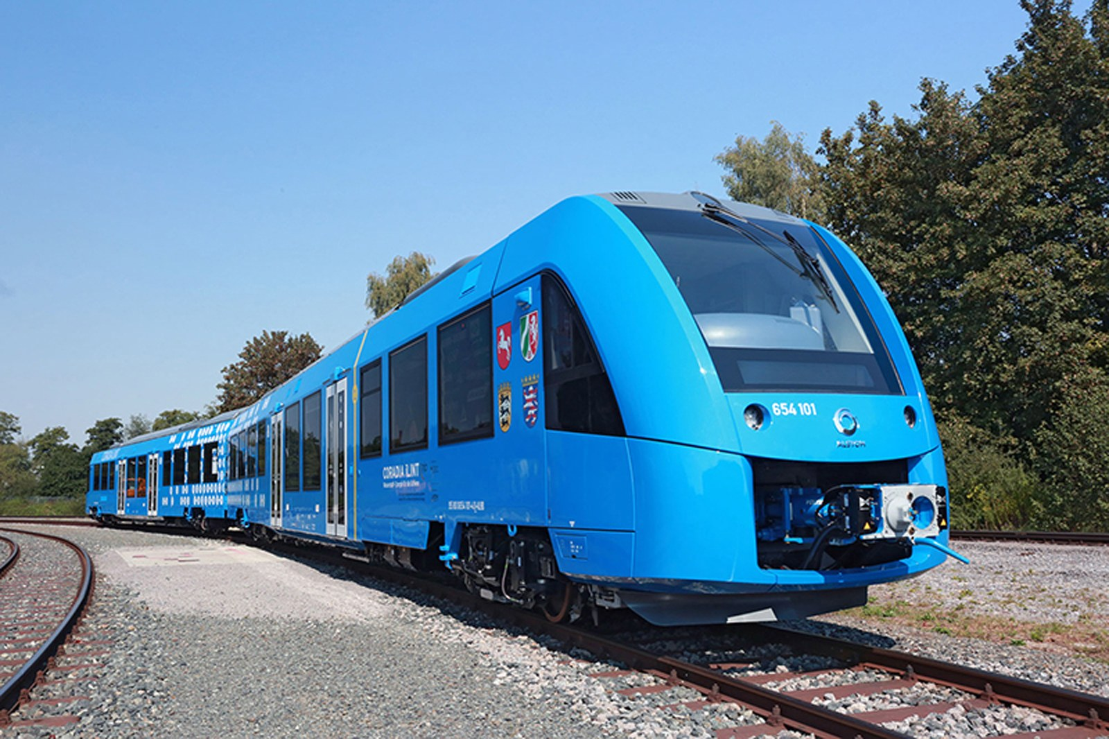 hydrogen fuel cell train offers pollution free rail trips