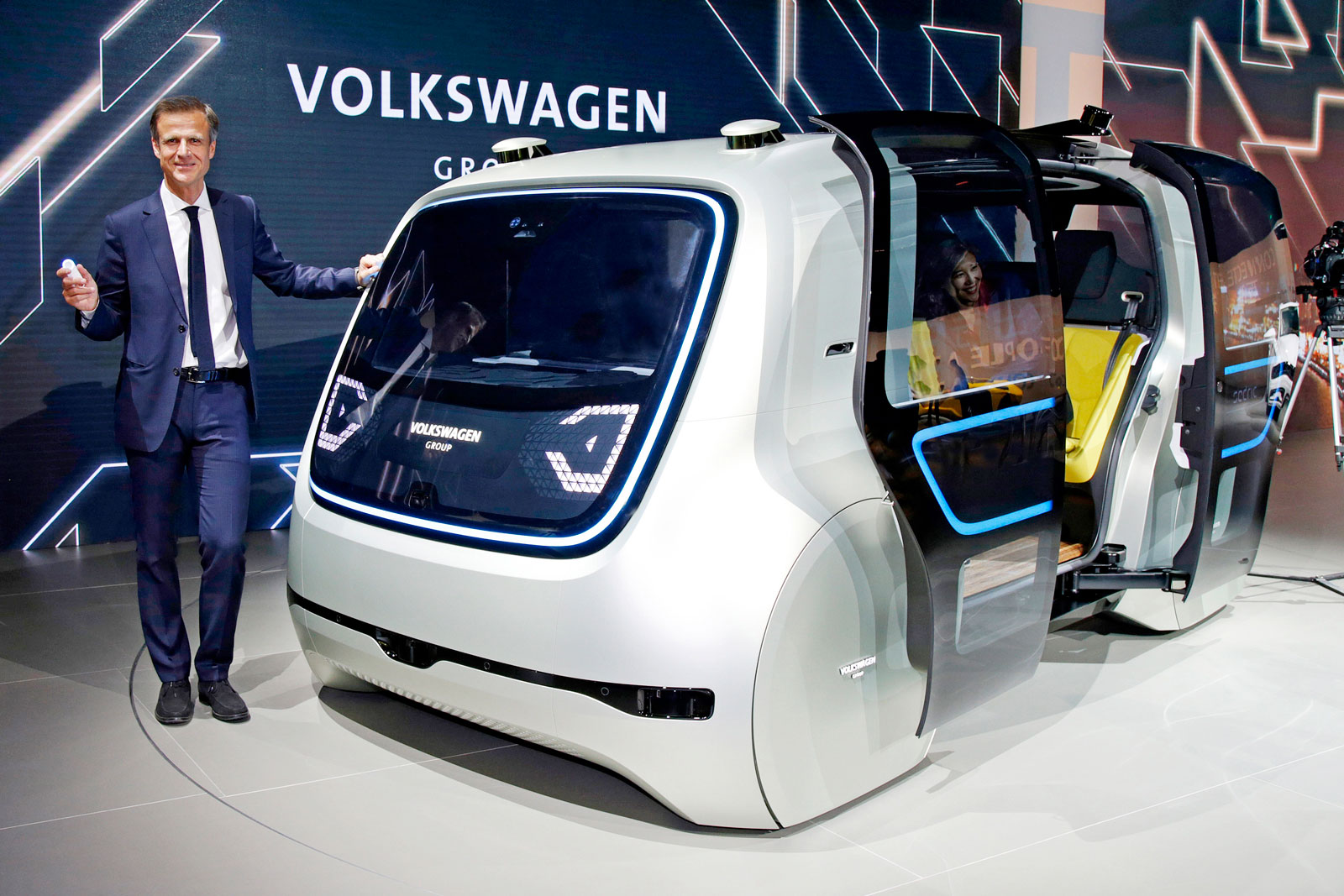volkswagen shows off its vision for a driverless future. Black Bedroom Furniture Sets. Home Design Ideas