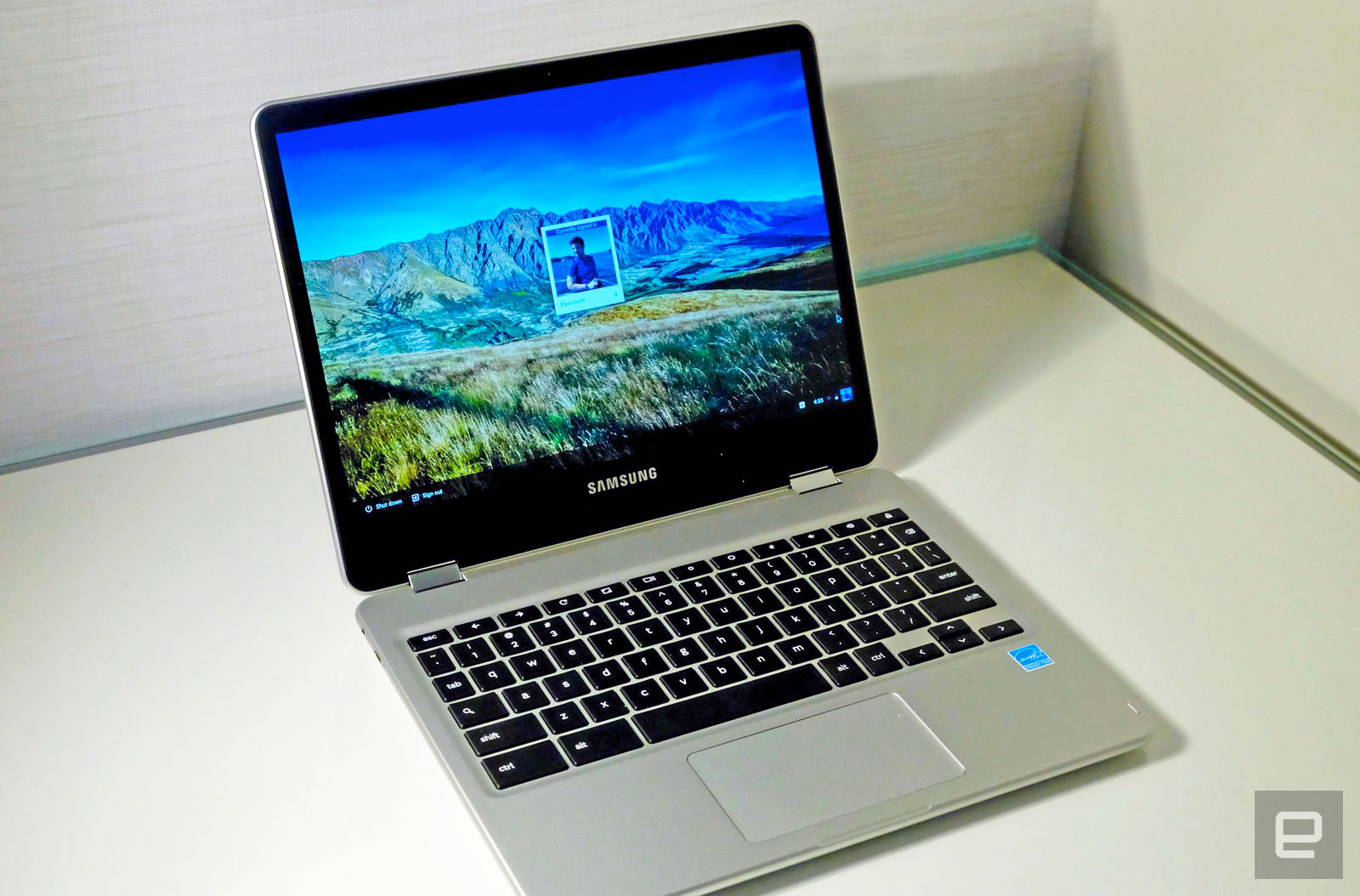 how to open a text file in chromebook