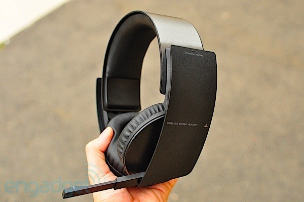 sony ps3 wireless stereo headset review. Black Bedroom Furniture Sets. Home Design Ideas