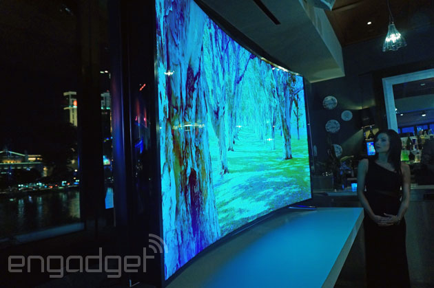Samsung's 105-inch Curved UHD TV And 85-inch Bendable
