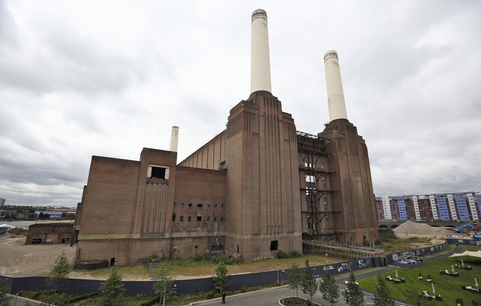 Apple Chooses Battersea Power Station For New London Hq
