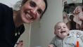 La divertidísima conversación de una madre con su bebé que no quiere comer
