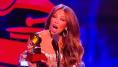 Abucheos a Thalía y a un ausente Luis Miguel en los Grammy