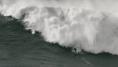 El angustioso rescate de este surfista ante olas gigantes en