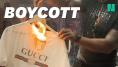 50 Cent, en colère contre Gucci, brûle un t-shirt à