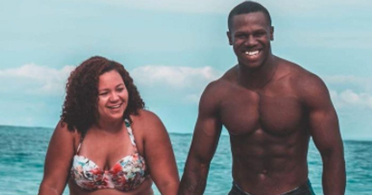 1e5d7b5059d92 Couple s Bathing Suit Photo Is Going Viral For An Inspiring Reason ...