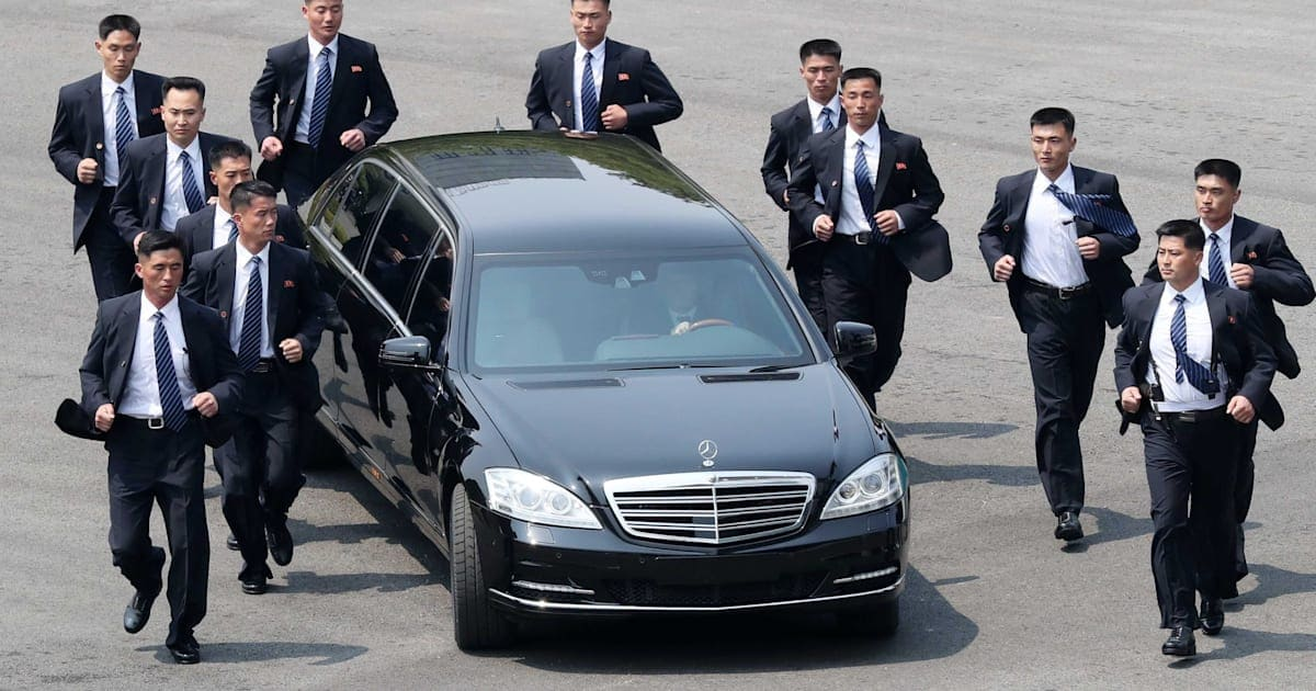 Kim Jong Un\'s Bevy Of Bodyguards Are Back — And Yes, They\'re Still ...
