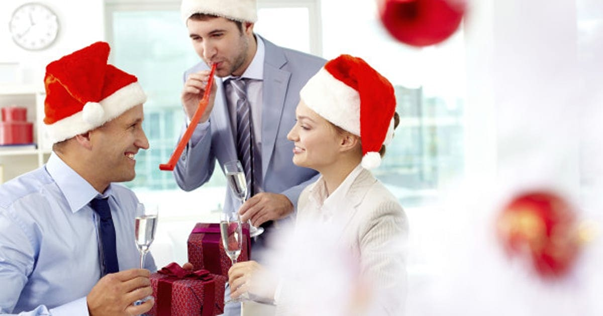 06949bf0b362 How To Successfully Navigate Your Office Holiday Party | HuffPost Canada
