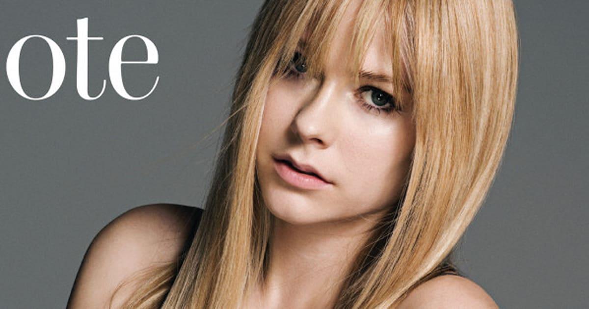 Avril Lavigne Looks Unrecognizable Without Dark Makeup Photo