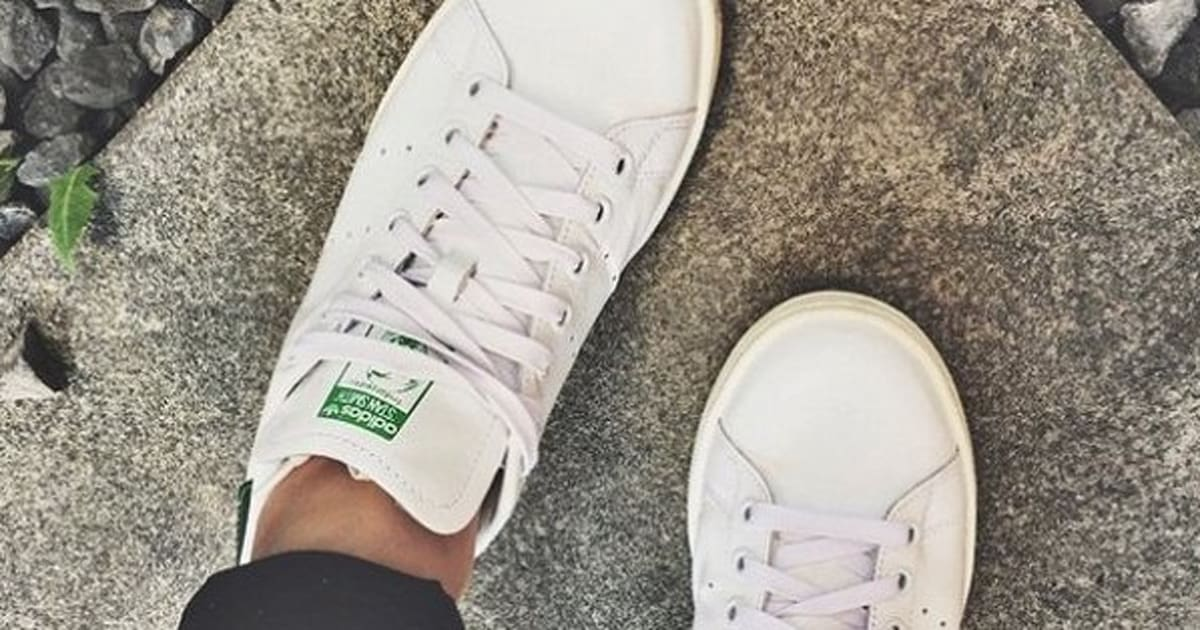 769c18dc9 How To Clean White Shoes  Keeping Your Sneakers Looking New ...