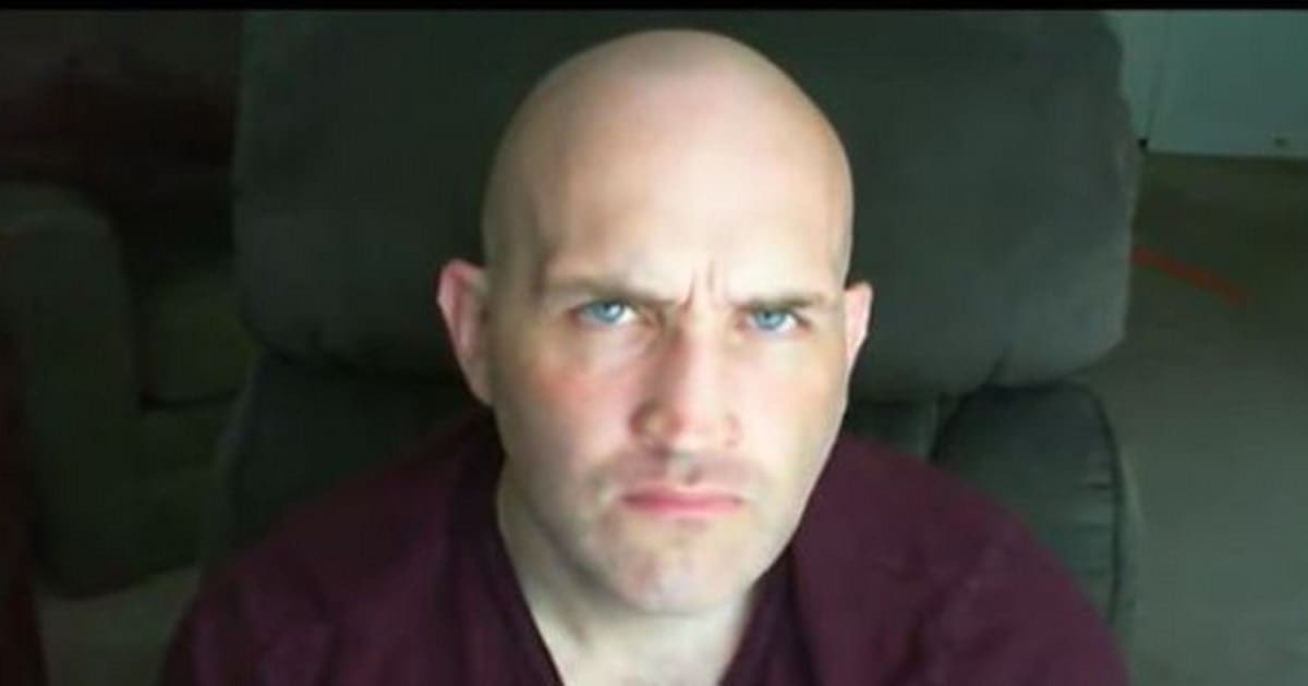 Un homme chauve dénonce le stéréotype du méchant chauve au cinéma (VIDÉO)    HuffPost Québec c4c77852899