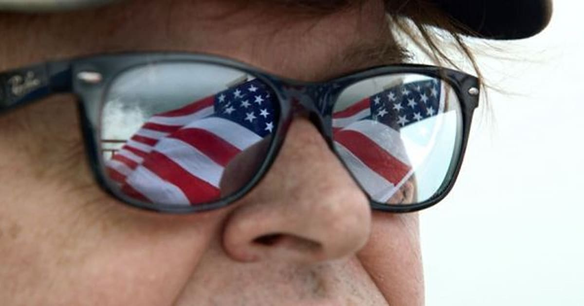 Ufficio Oggetti Smarriti Ikea : Gli americani a lezione di umiltà da michael moore