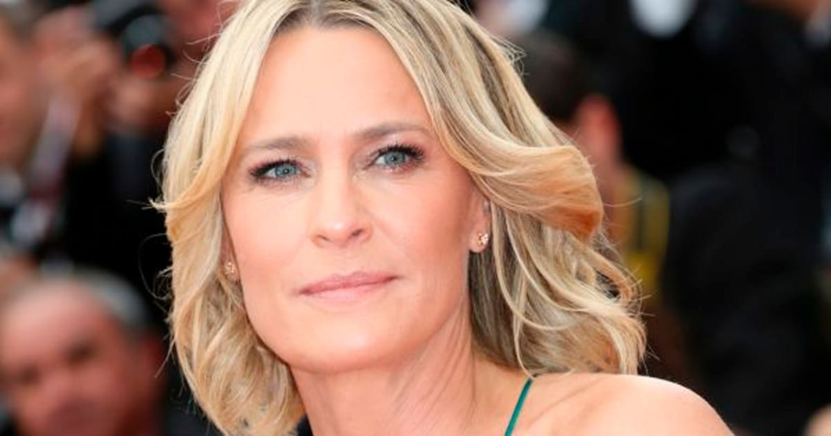 Robin Wright Still Isnt Receiving Equal Pay For House Of Cards