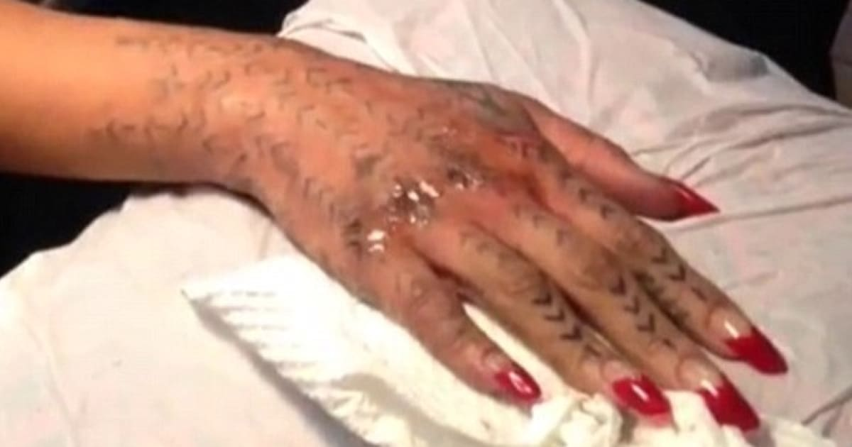 rihanna unhappy with new maori ink covers it up with - 600×360