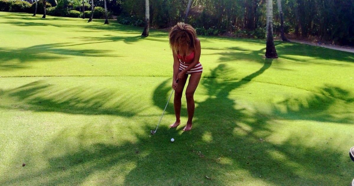 71ea38a1dfcb3 Beyoncé Accused Of Photoshopping A Thigh Gap In Bikini Pics (VIDEO ...