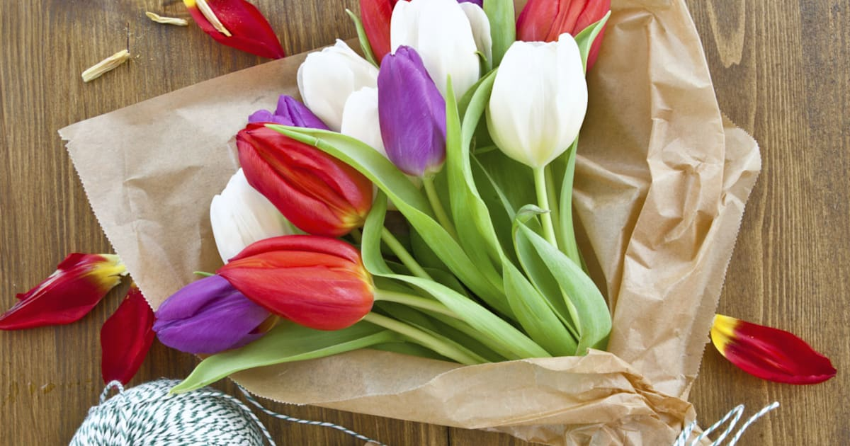 How To Keep Tulips Alive In 3 Simple Steps