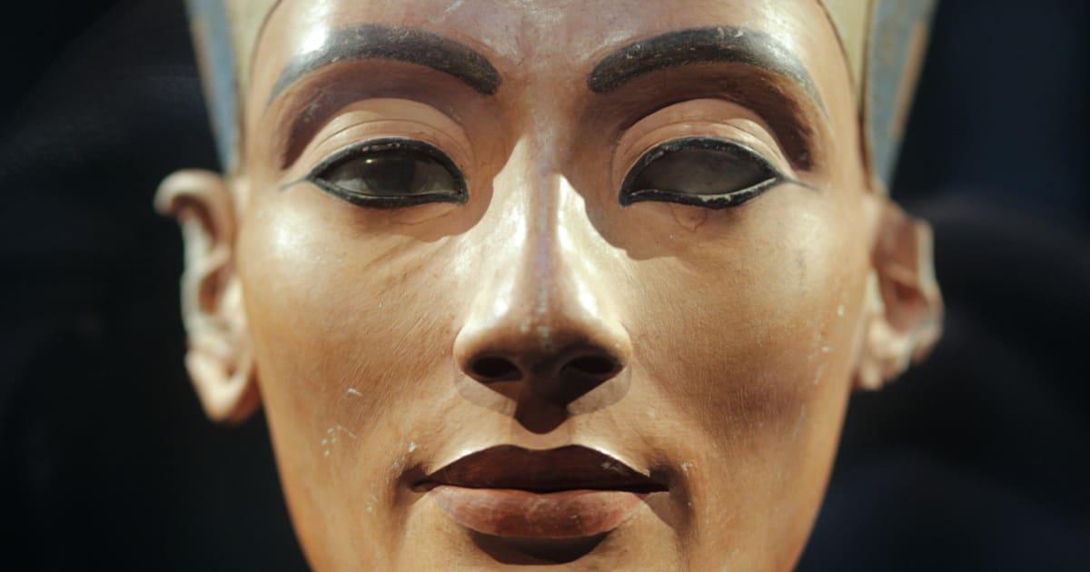 The Curse Of King Tuts Tomb Torrent: Is Queen Nefertiti Buried In King Tutankhamun's Tomb