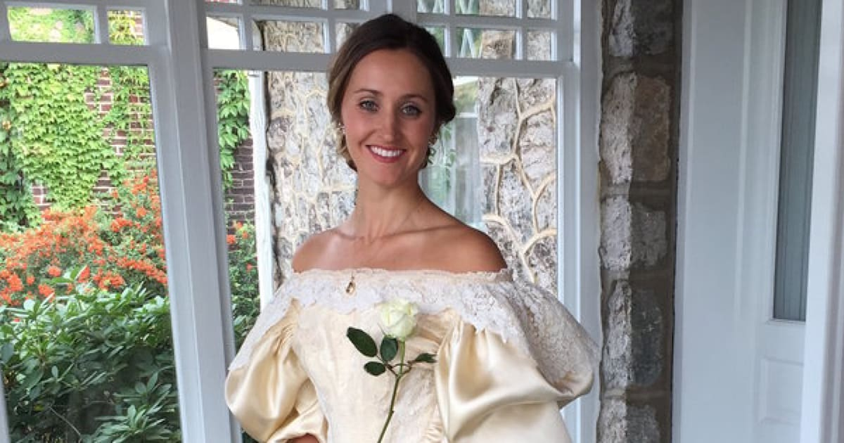 6658c816675 Everyone Has Seen This Bride s 120-Year-Old Wedding Dress