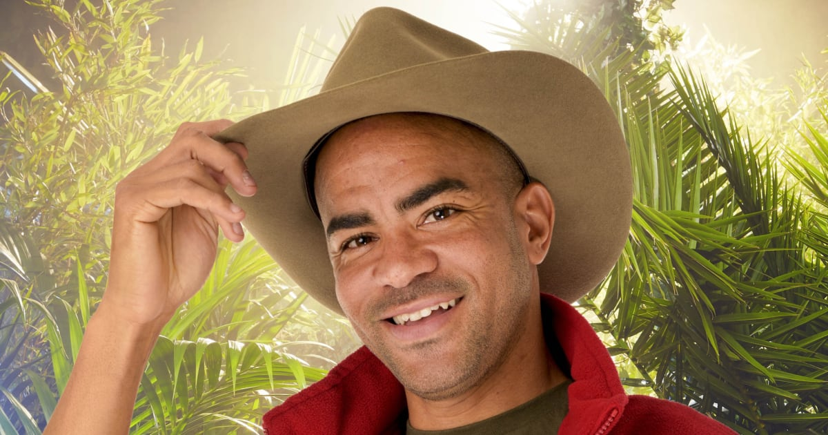 I M A Celebrity 2015 Contestant Kieron Dyer Donating His border=