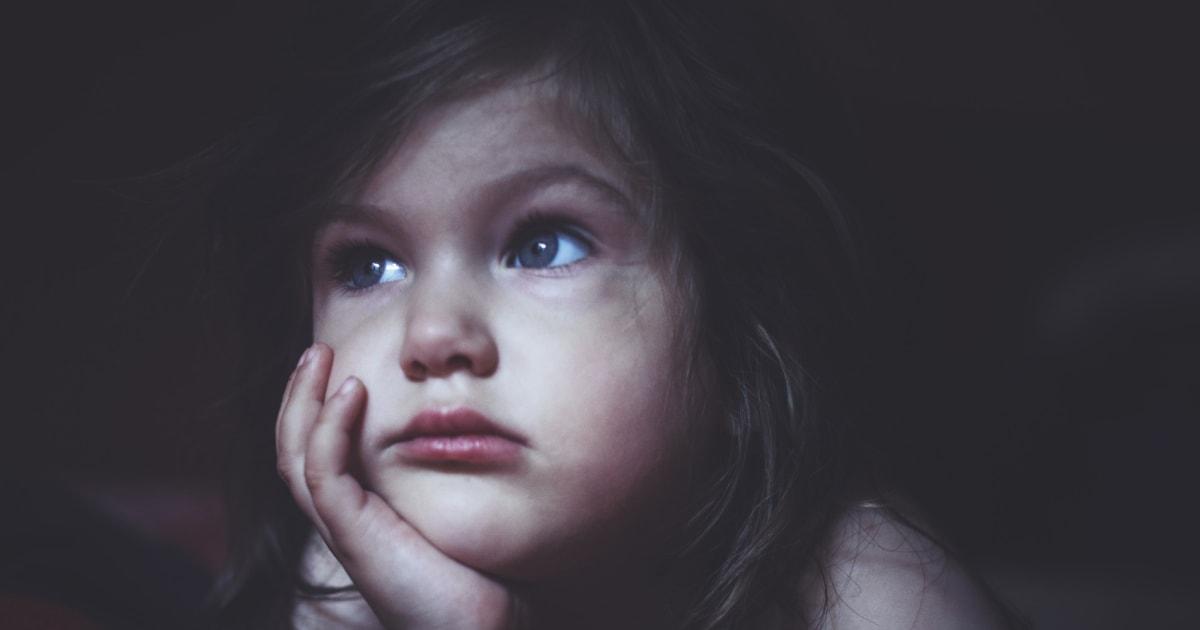 5 Verhaltensweisen von Eltern, die Kinder nachts zum Weinen bringen ...