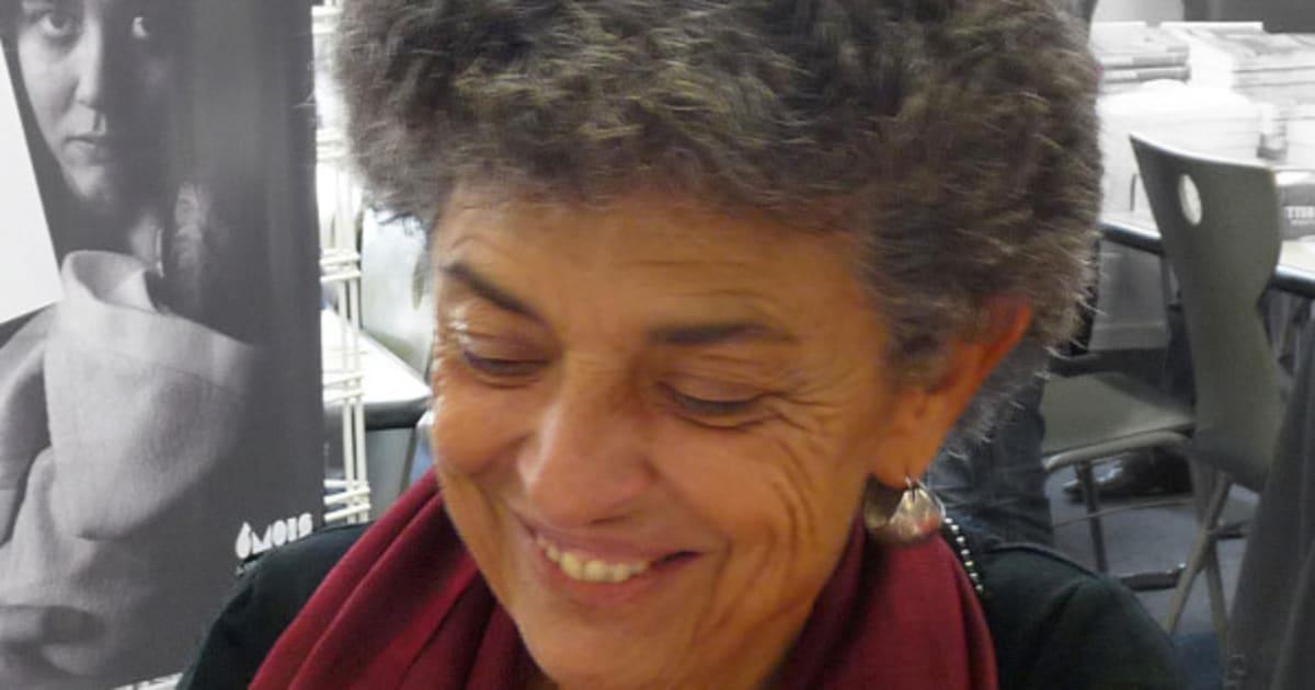 l 39 historienne sophie bessis fait un don de la biblioth que de ses parents la biblioth que. Black Bedroom Furniture Sets. Home Design Ideas