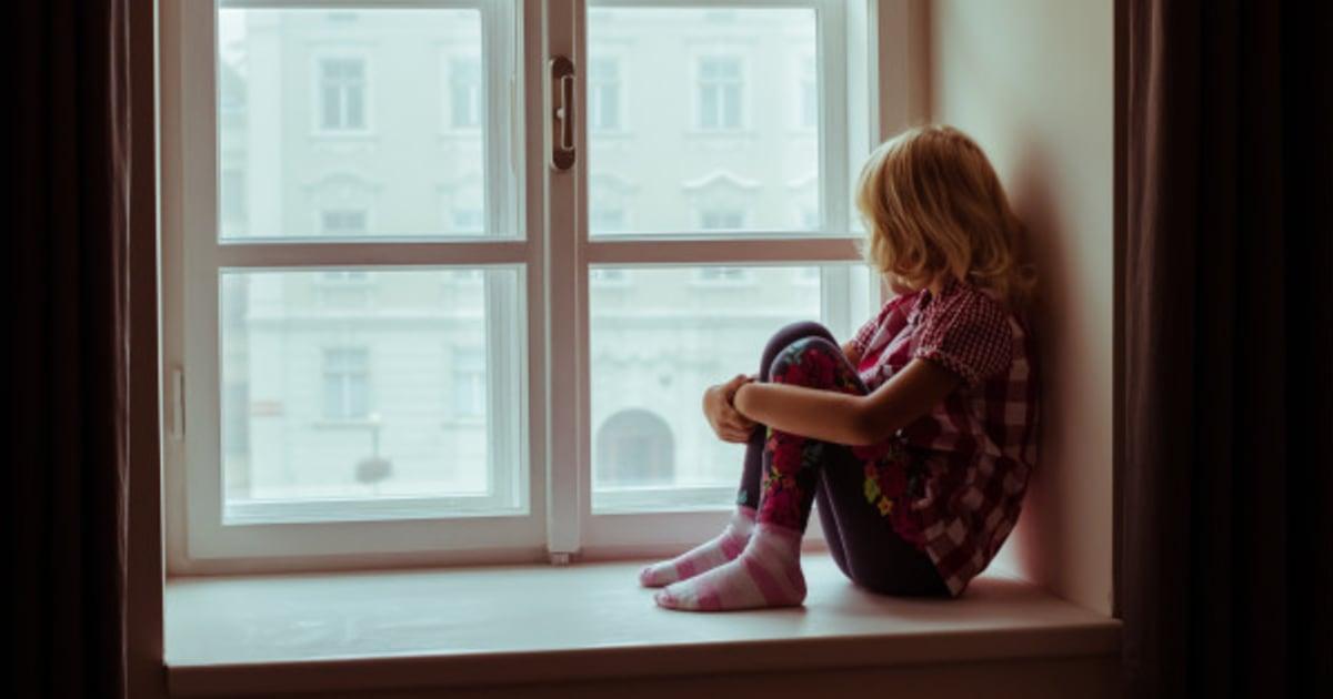 Was im Gehirn von Kindern passiert, die nicht genug Liebe von ihren ...