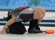 Un campeón olímpico y su equipo, expulsados de la competición por aparecer