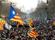 La huelga independentista reúne a miles de personas pero no consigue paralizar la