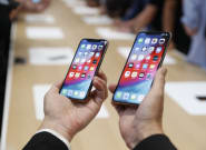 Apple's New iPhones Are Too Big For Women To Use Comfortably, Many