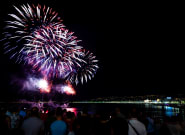 Nice: Les images du feu d'artifice du 15 août, le premier sur la Promenade des Anglais depuis l'attentat du 14 juillet