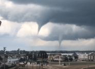 La red se llena de espeluznantes vídeos de los tornados que arrasan Iowa