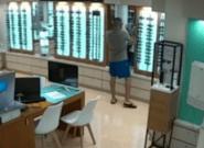 VÍDEO: Así robó Ángel Boza, miembro de 'La Manada', unas gafas de una óptica de