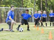 Priver les clubs de foot et les associations des contrats aidés, c'est mettre en danger le vivre