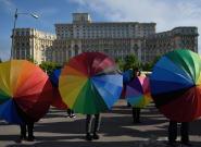 La Roumanie veut inscrire l'interdiction du mariage gay dans sa Constitution en passant par un