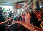 La France championne du monde: nuit de liesse au Carillon, l'un des bars visés lors du