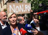 Non, les militants qui ont perturbé la visite de Marine Le Pen dans le Var n'étaient pas des