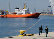 L'Aquarius pourra finalement accoster à Malte avec ses 141