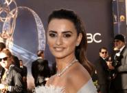 Estupefacción en los Emmys: Penélope Cruz viste de Chanel como nominada por encarnar a Donnatella