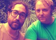 Los hijos de Paul McCartney y John Lennon posan juntos en