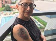 Pour fêter mes 80 ans, j'ai préféré m'offrir un tatouage plutôt qu'un